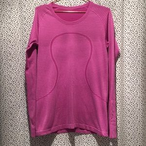 Lululemon 12 swiftly striped running top active